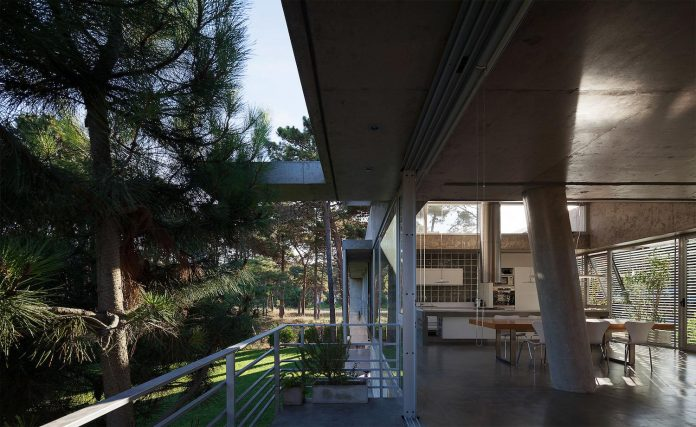 alamos-concrete-house-near-pinamar-buenos-aires-province-estudio-galera-18