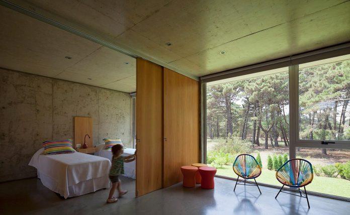 alamos-concrete-house-near-pinamar-buenos-aires-province-estudio-galera-22