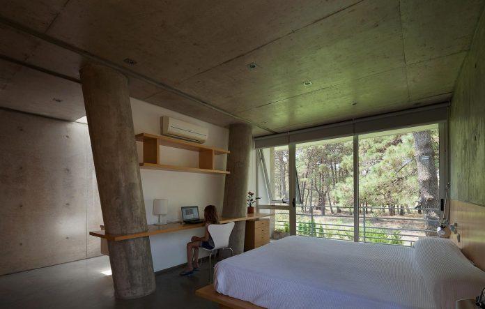 alamos-concrete-house-near-pinamar-buenos-aires-province-estudio-galera-23