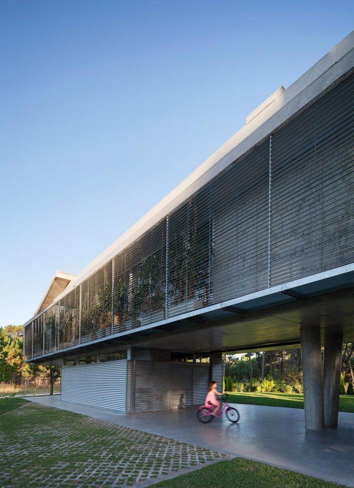 alamos-concrete-house-near-pinamar-buenos-aires-province-estudio-galera-25