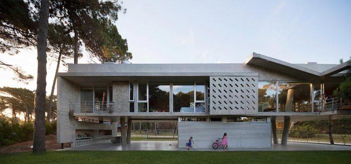 alamos-concrete-house-near-pinamar-buenos-aires-province-estudio-galera-27