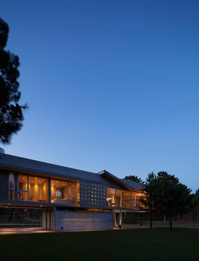 alamos-concrete-house-near-pinamar-buenos-aires-province-estudio-galera-30