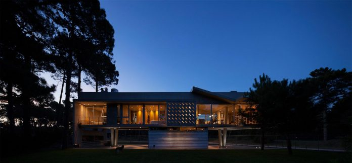 alamos-concrete-house-near-pinamar-buenos-aires-province-estudio-galera-31