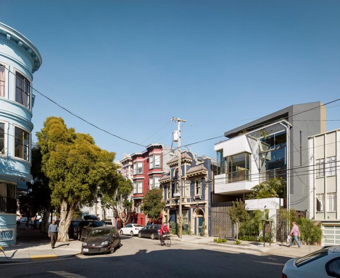 albion-street-townhouse-located-san-francisco-kennerly-architecture-planning-01