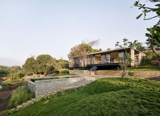 Architecture BRIO design The Riparian House surrounded by nature near Mumbai