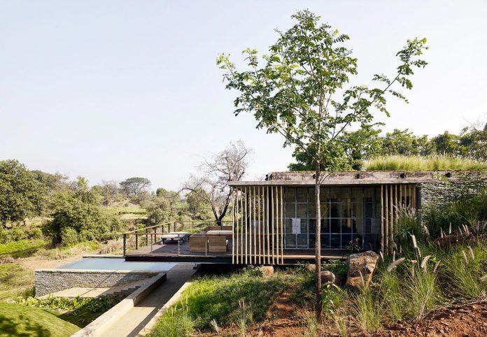 architecture-brio-design-riparian-house-surrounded-nature-near-mumbai-05