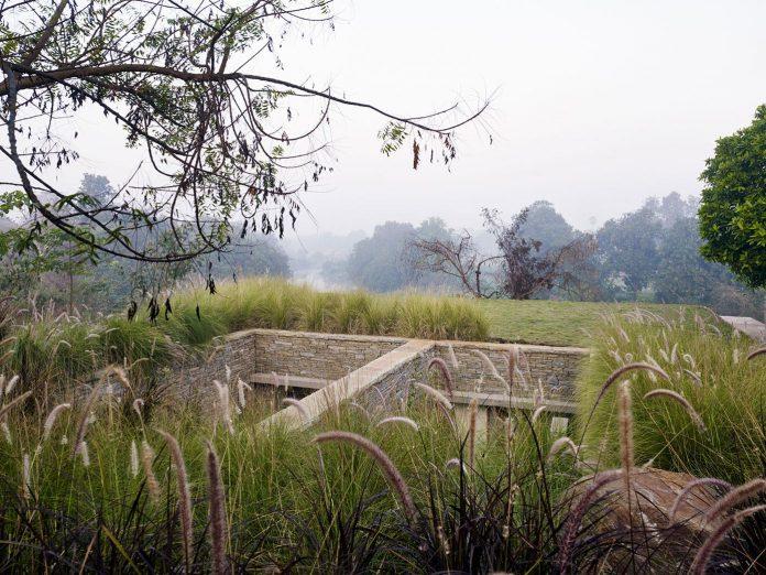 architecture-brio-design-riparian-house-surrounded-nature-near-mumbai-09