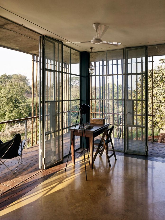 architecture-brio-design-riparian-house-surrounded-nature-near-mumbai-17