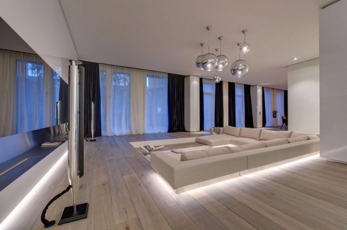 art-loft-townhouse-centre-berlin-germany-starck-collaboration-swiss-property-01