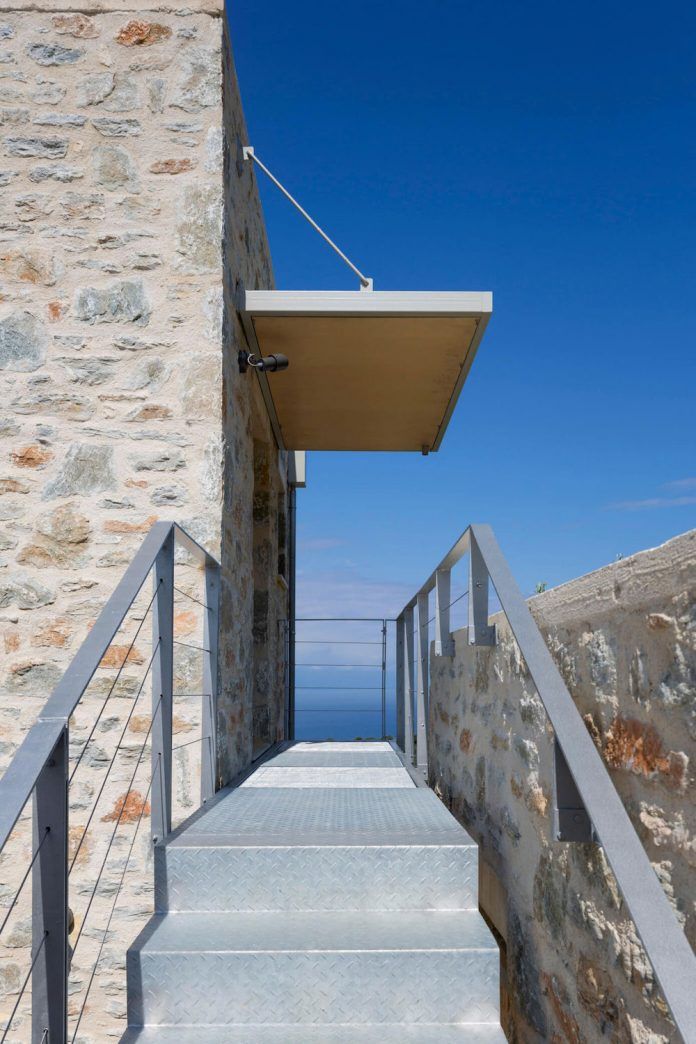 atrium-villas-skiathos-greece-designed-hhh-architects-12