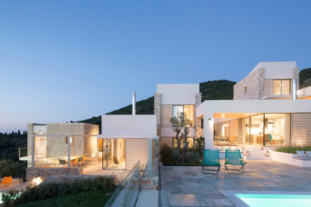 Atrium villas in skiathos greece designed by hhh for Moderne architektur villa