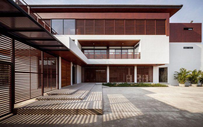 baan-bang-saray-holiday-villa-junsekino-architect-design-01