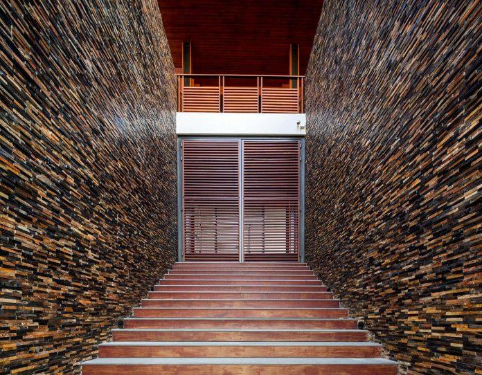 baan-bang-saray-holiday-villa-junsekino-architect-design-06