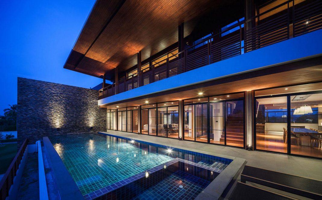 Baan Bang Saray Holiday Villa by Junsekino Architect and Design