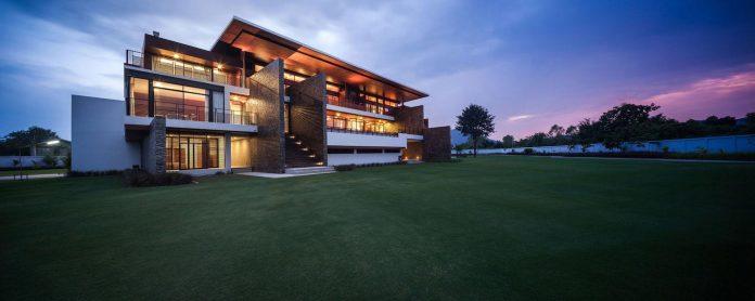 baan-bang-saray-holiday-villa-junsekino-architect-design-13