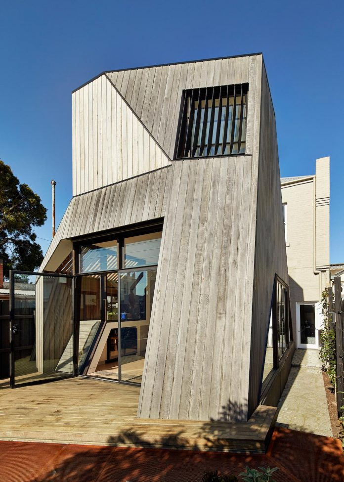 bower-contemporary-house-situated-carlton-north-melbourne-andrew-simpson-architects-03