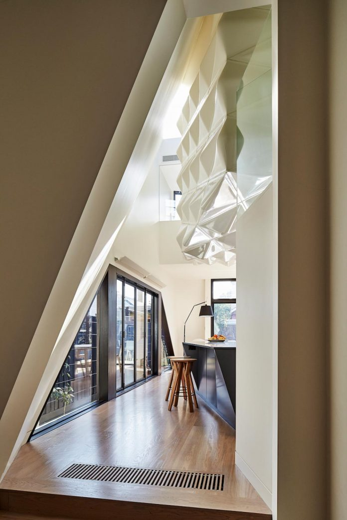 bower-contemporary-house-situated-carlton-north-melbourne-andrew-simpson-architects-09