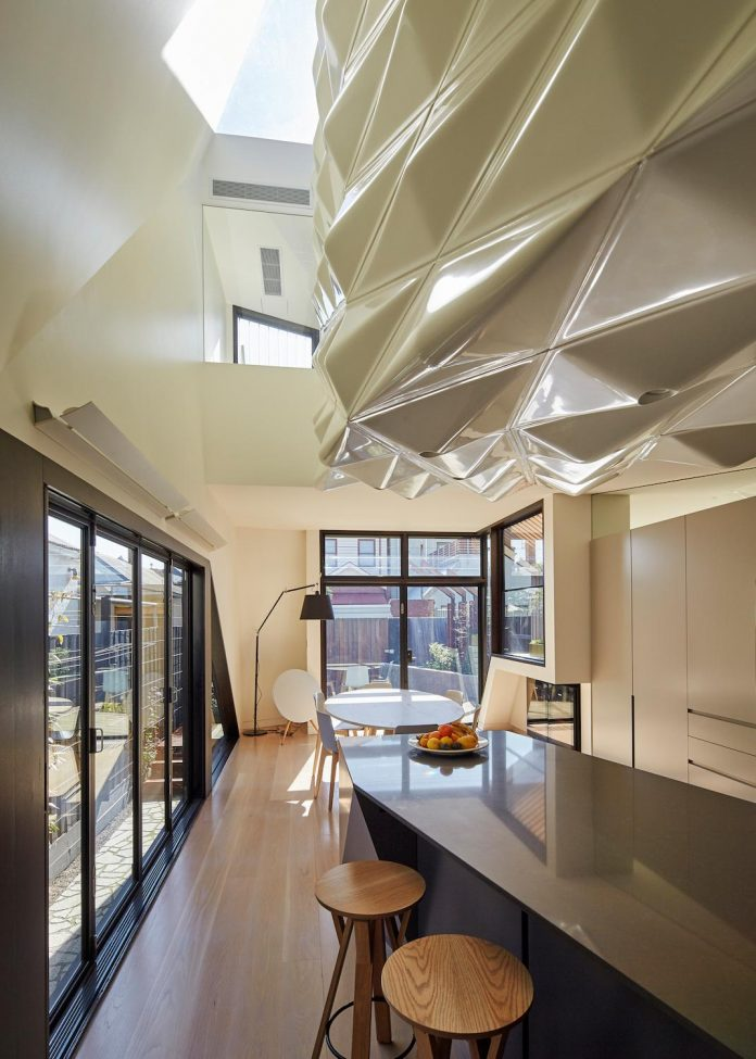 bower-contemporary-house-situated-carlton-north-melbourne-andrew-simpson-architects-11