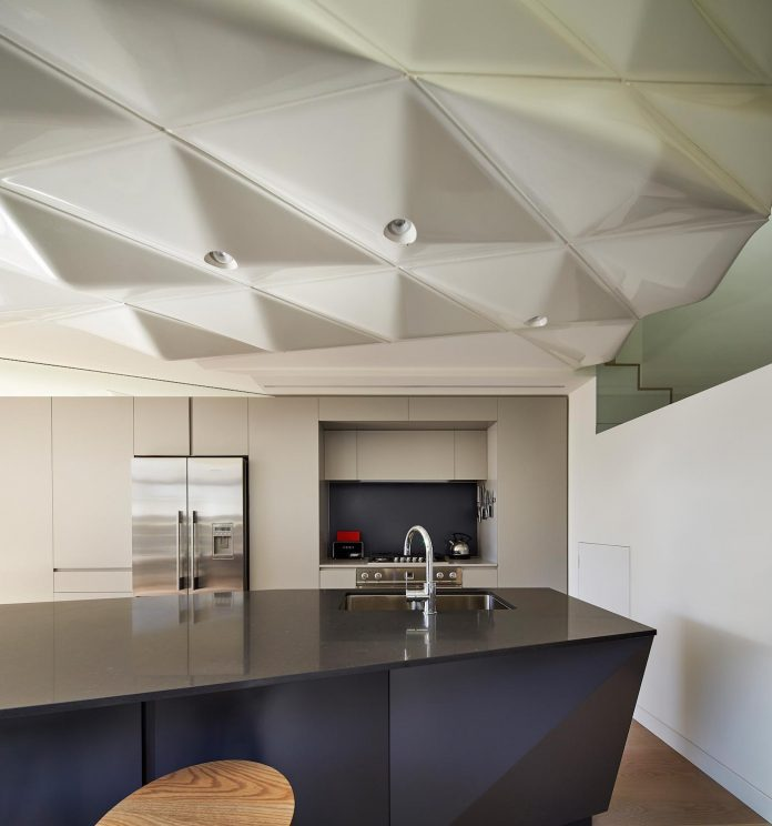 bower-contemporary-house-situated-carlton-north-melbourne-andrew-simpson-architects-12