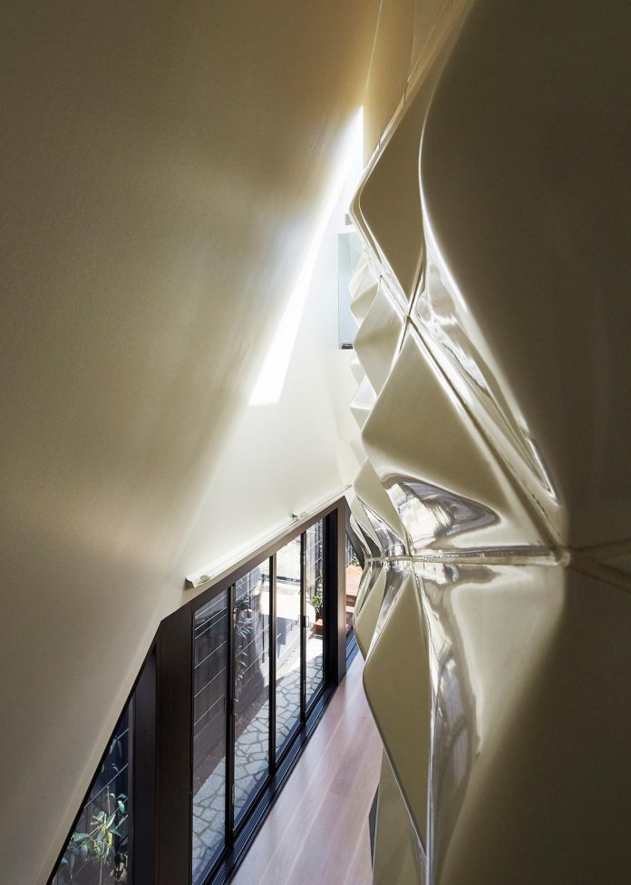 bower-contemporary-house-situated-carlton-north-melbourne-andrew-simpson-architects-13
