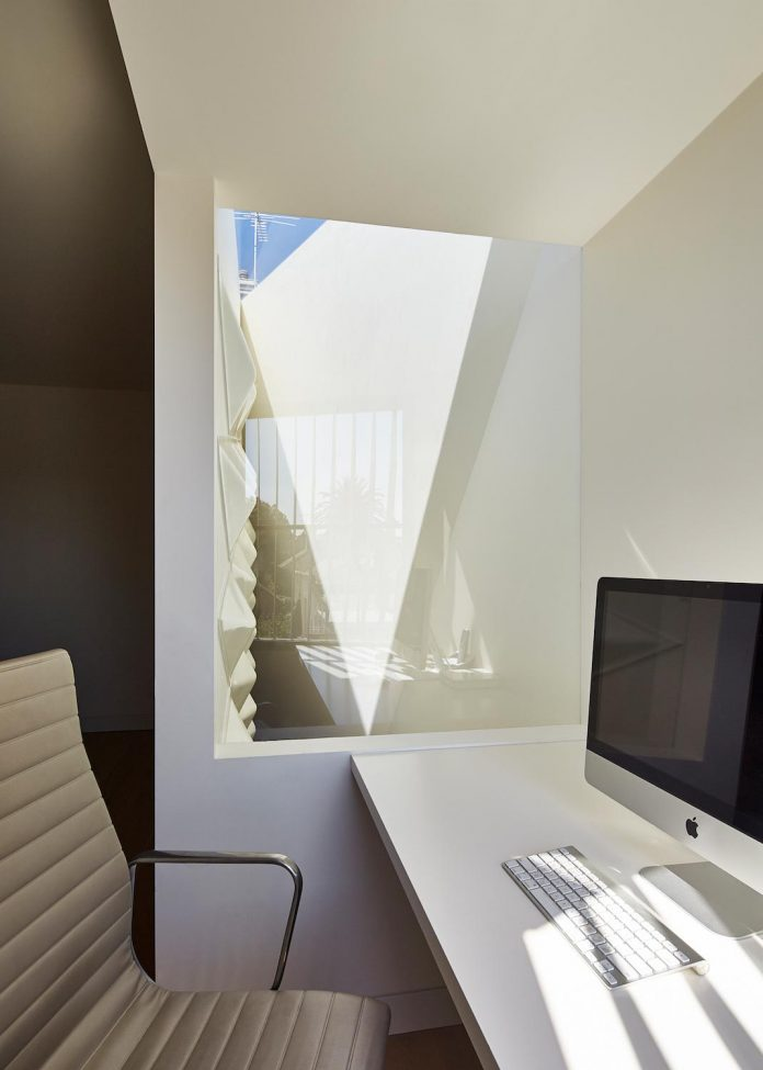 bower-contemporary-house-situated-carlton-north-melbourne-andrew-simpson-architects-15