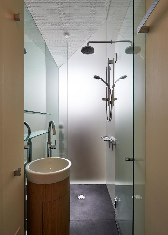 bower-contemporary-house-situated-carlton-north-melbourne-andrew-simpson-architects-16