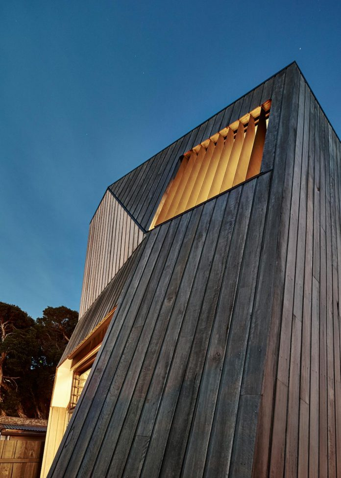 bower-contemporary-house-situated-carlton-north-melbourne-andrew-simpson-architects-18