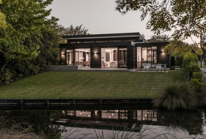 bradnor-road-home-sits-tree-lined-cul-de-sac-fendalton-christchurch-designed-cymon-allfrey-architects-ltd-02
