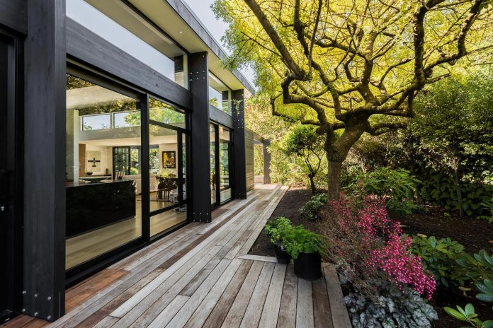 bradnor-road-home-sits-tree-lined-cul-de-sac-fendalton-christchurch-designed-cymon-allfrey-architects-ltd-04