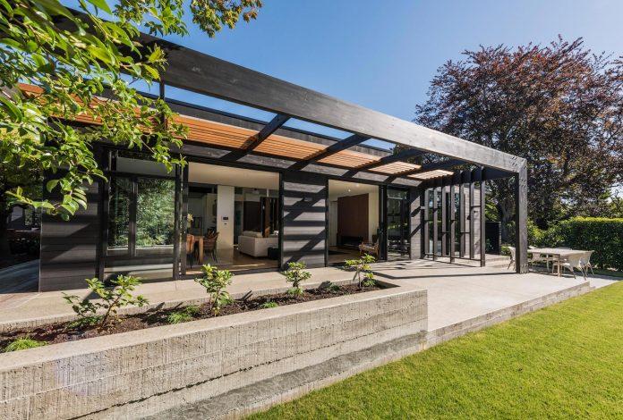 bradnor-road-home-sits-tree-lined-cul-de-sac-fendalton-christchurch-designed-cymon-allfrey-architects-ltd-05