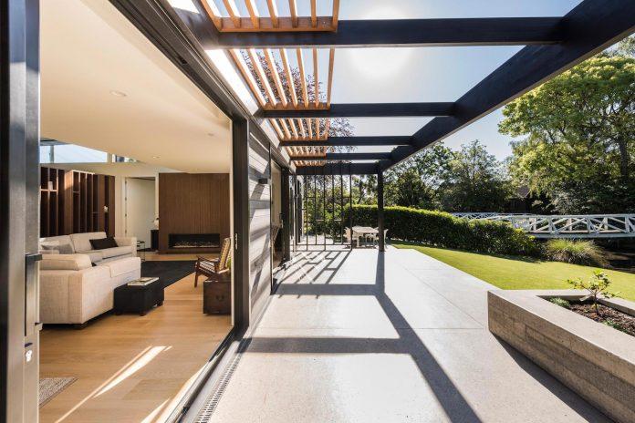 bradnor-road-home-sits-tree-lined-cul-de-sac-fendalton-christchurch-designed-cymon-allfrey-architects-ltd-06