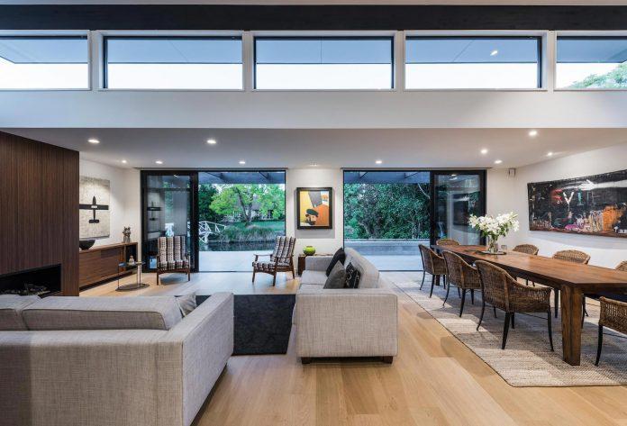 bradnor-road-home-sits-tree-lined-cul-de-sac-fendalton-christchurch-designed-cymon-allfrey-architects-ltd-09