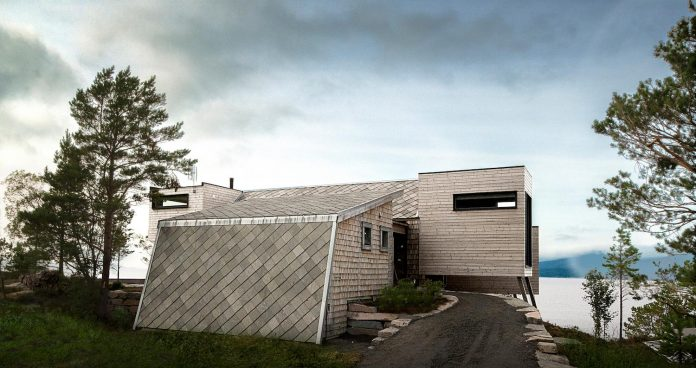 cabin-straumsnes-traditional-yet-modern-shelter-flat-gabled-roof-rever-drage-architects-09