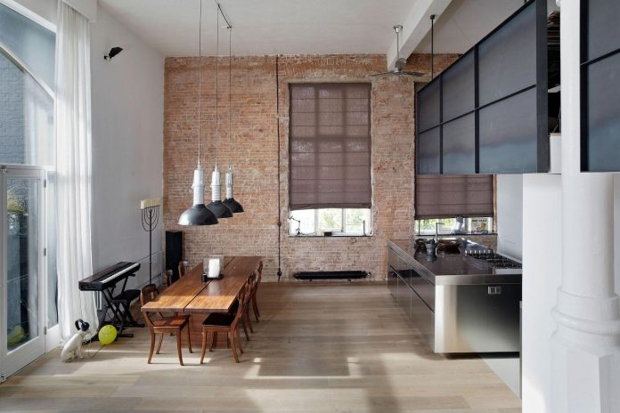 charming-canal-house-designed-witteveen-architects-amsterdam-netherlands-06
