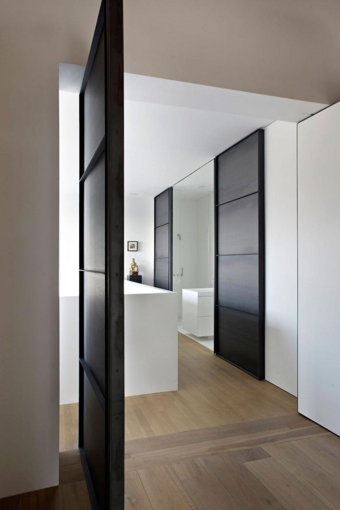 charming-canal-house-designed-witteveen-architects-amsterdam-netherlands-15
