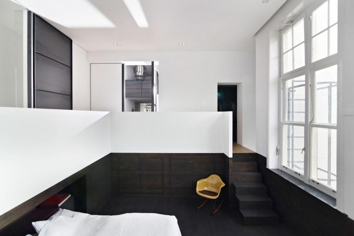 charming-canal-house-designed-witteveen-architects-amsterdam-netherlands-17