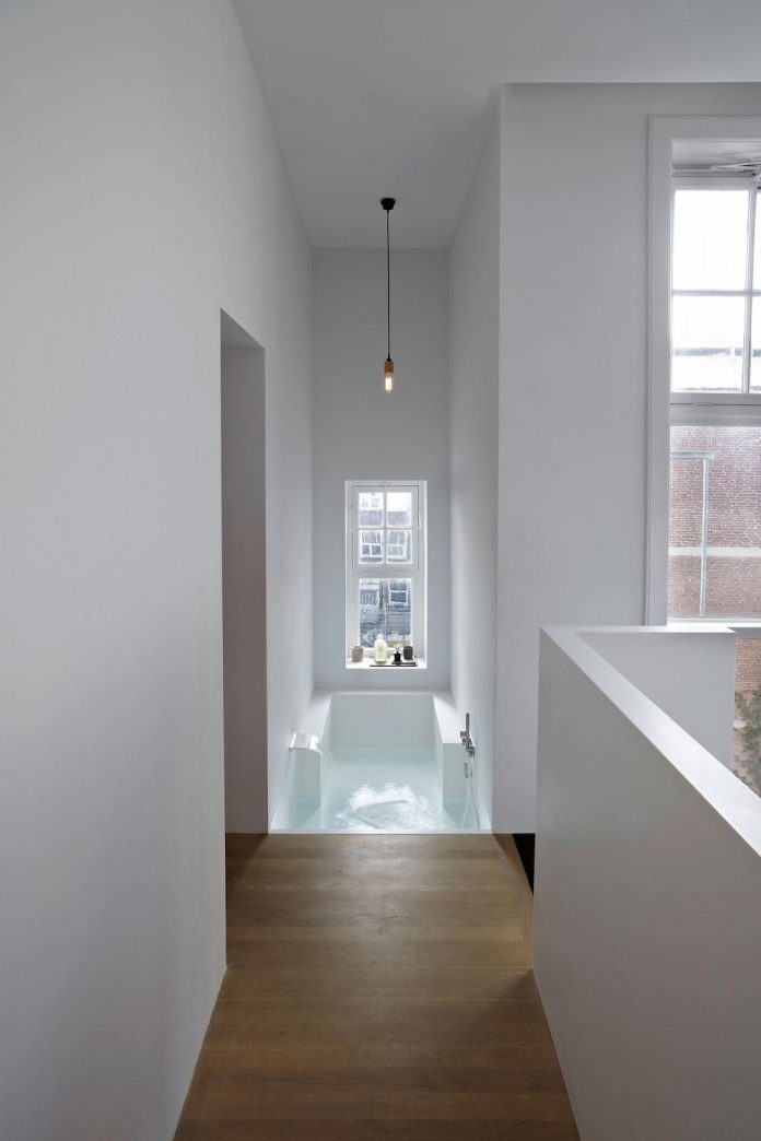 charming-canal-house-designed-witteveen-architects-amsterdam-netherlands-23