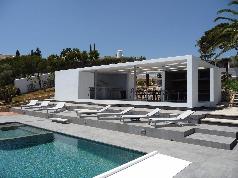 Chiringuito jc mediterranean villa by adi escura for Villas mediterranean