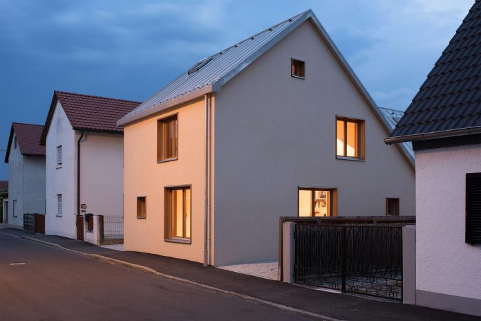 clean-simple-house-spk-ingolstadt-designed-nbundm-01