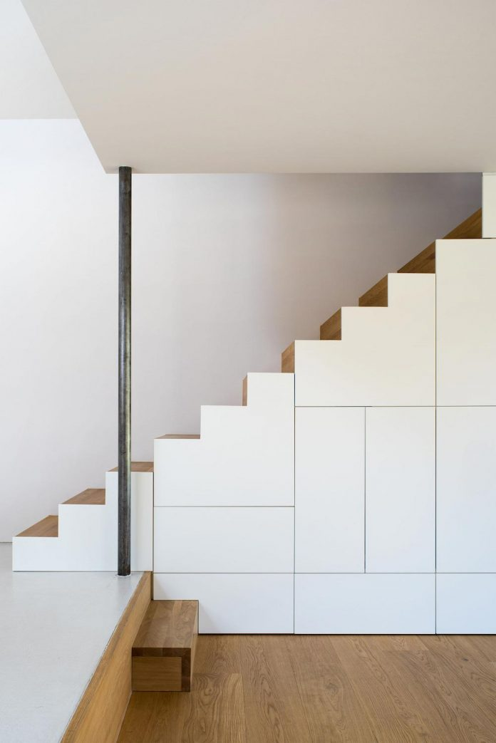 clean-simple-house-spk-ingolstadt-designed-nbundm-06