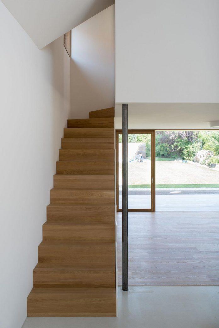 clean-simple-house-spk-ingolstadt-designed-nbundm-07