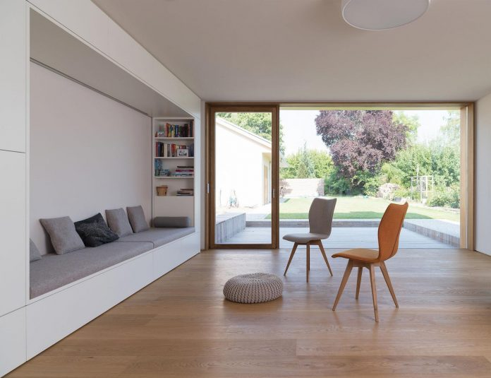 clean-simple-house-spk-ingolstadt-designed-nbundm-08