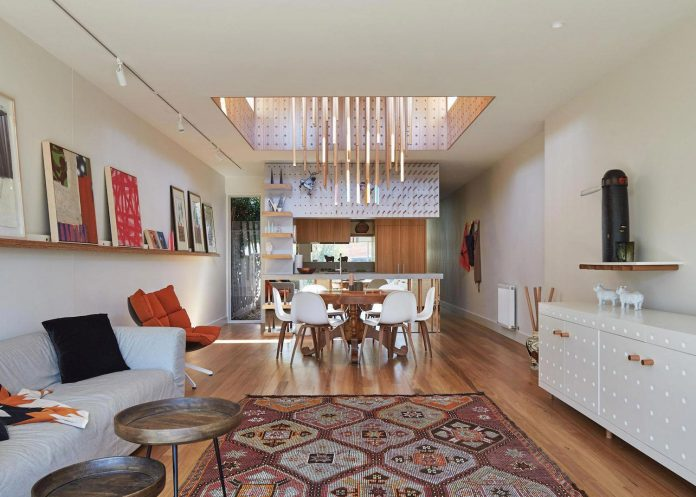 colourful-chic-dowel-town-house-melbourne-refurbished-fmd-architects-05