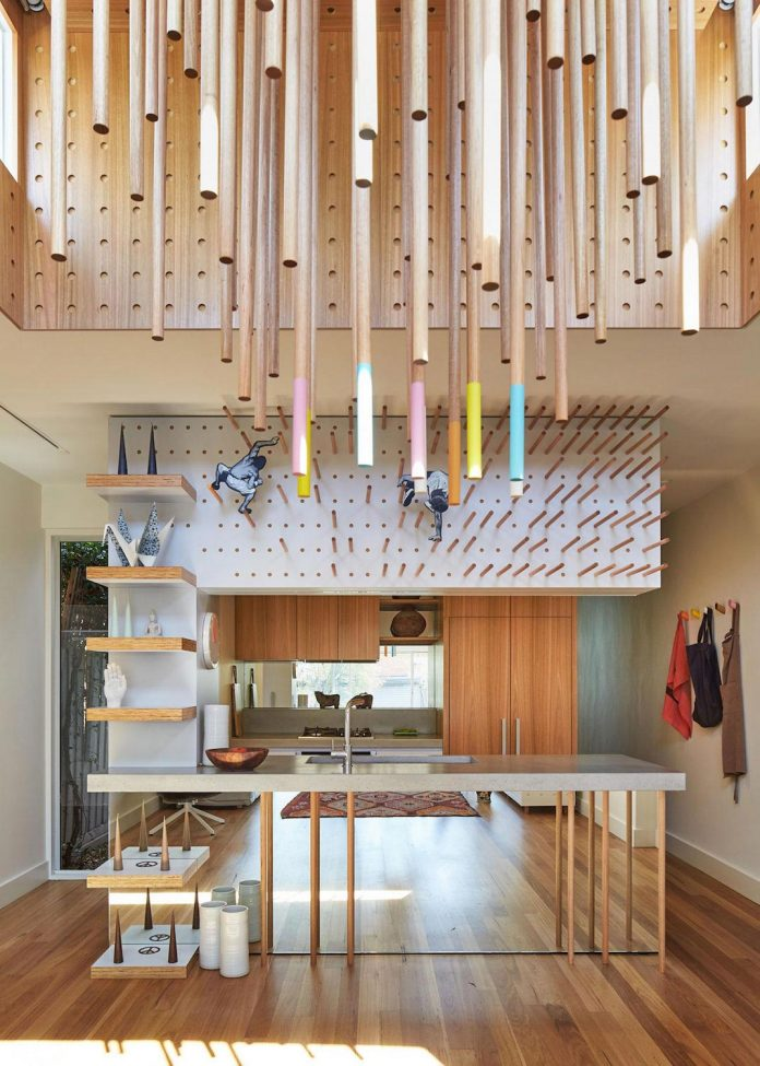 colourful-chic-dowel-town-house-melbourne-refurbished-fmd-architects-06