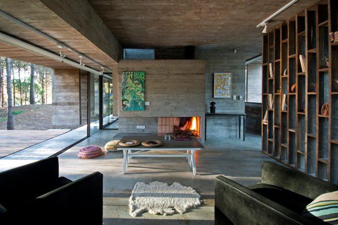 concrete-valeria-house-lush-vegetation-crossed-tall-dunes-designed-luciano-kruk-maria-victoria-besonias-14