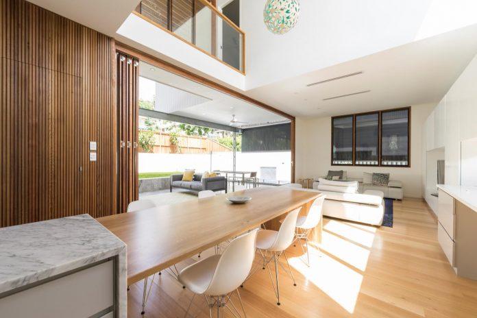 contemporary-backyard-house-teneriffe-brisbane-joe-adsett-architects-06