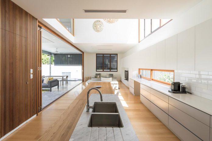 contemporary-backyard-house-teneriffe-brisbane-joe-adsett-architects-08