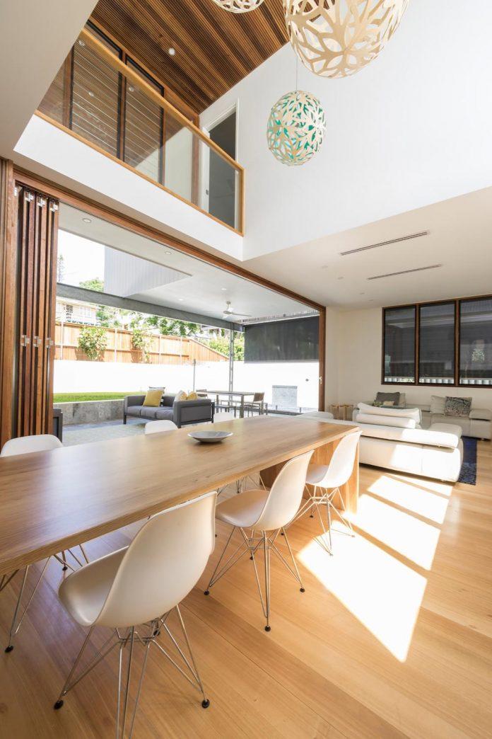 contemporary-backyard-house-teneriffe-brisbane-joe-adsett-architects-09