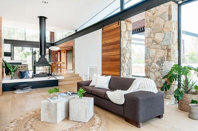 contemporary-bushland-warrandyte-house-perched-yarra-river-melbourne-alexandra-buchanan-architecture-05
