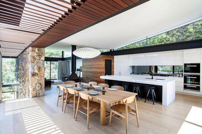 contemporary-bushland-warrandyte-house-perched-yarra-river-melbourne-alexandra-buchanan-architecture-14